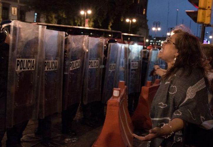 Los elementos de la policía capitalina deberán proteger a los ciudadanos que participen en protestas y marchas y prevenir el abuso de la fuerza. (Animal Político)