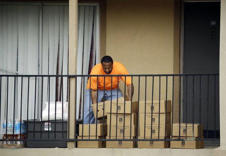 Los funcionarios del condado de Dallas ordenaron a los familiares que tuvieron contacto con el paciente diagnosticado con el virus Ebola a permanecer dentro de su casa. (Agencias)