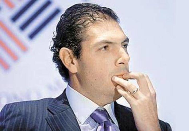 Carlos Hank González fue nombrado director general de Grupo Financiero Interacciones en 2002. (eltrece.mx)
