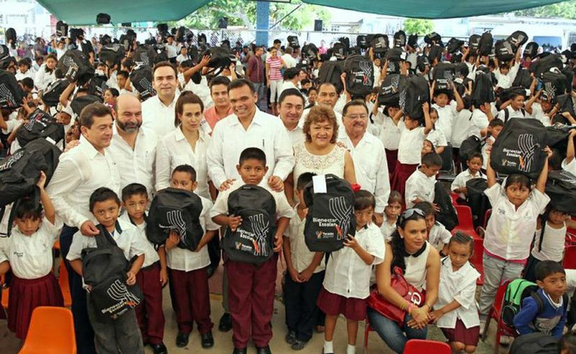 El Gobierno inició la entrega de útiles escolares a 224 mil alumnos de Yucatán.  (yucatan.gob.mx)