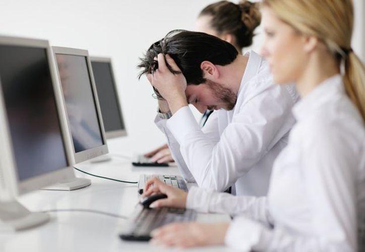 Un estudio publicado en el European Heart Journal, encontró que las personas que trabajaban largas horas tenían más probabilidades de desarrollar fibrilación auricular. (Contexto/Internet).