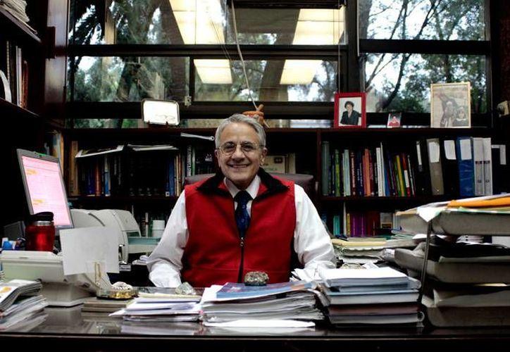 Juaristi pertenece al primer grupo de cuatro científicos a los que se otorgó el reconocimiento. (educacionyculturaaz.com)