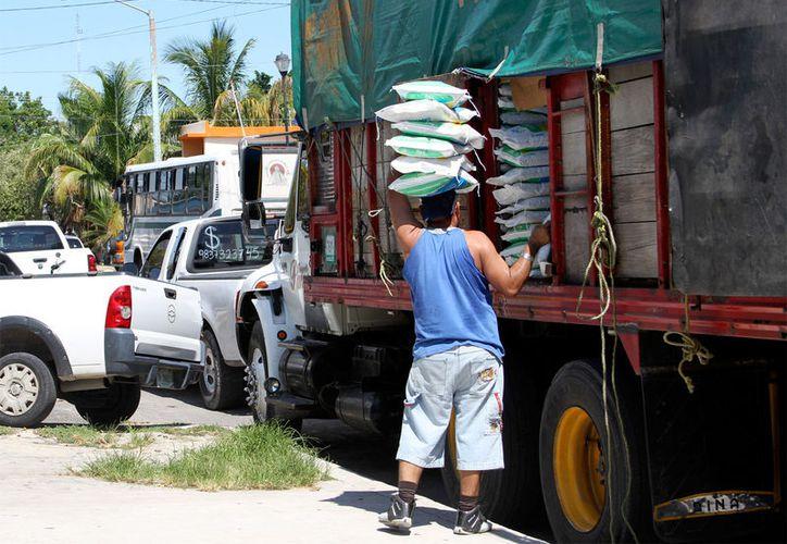 Las autoridades buscan concienciar a las empresas sobre la importancia de garantizar la seguridad y evitar los accidentes de trabajo. (Foto: Benjamín Pat / SIPSE)
