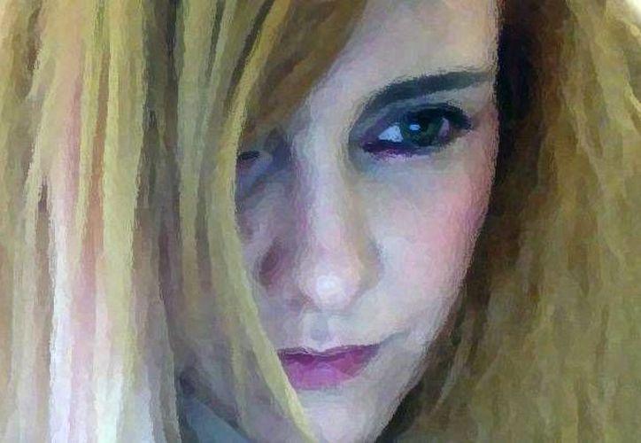Imagen tomada de Facebook de la cantante María Barracuda, quien denunció, en las redes sociales, que víctima de un ataque a golpes.