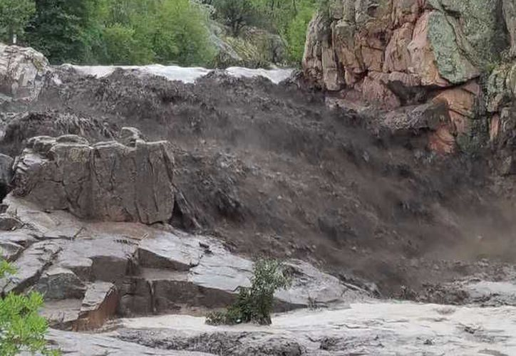 Al menos cuatro personas tuvieron que ser trasladadas en helicóptero a hospitales cercanos debido a que presentaban hipotermia. (ABC Arizona)