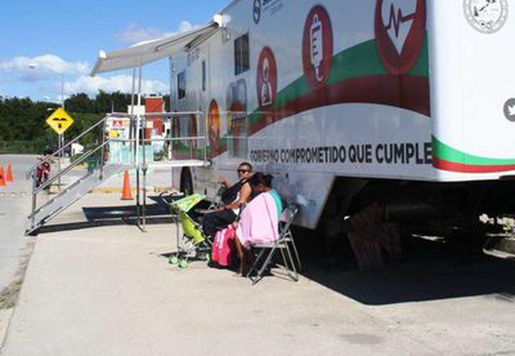 Ocho médicos atienden a los 15 mil habitantes que tiene Puerto Aventuras. (Octavio Martínez/SIPSE)