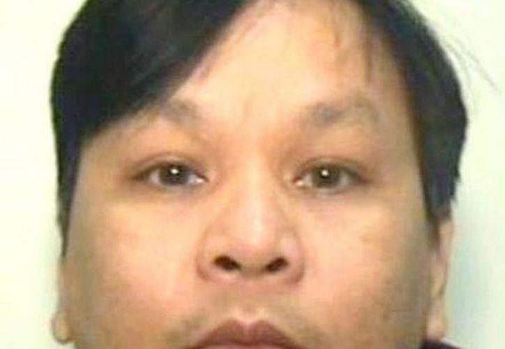 Fotografía de fecha desconocida facilitada por la Policía de Manchester que muestra al enfermero filipino Victorino Chua, de 49 años. Fue sentenciado a 35 años de cárcel. (EFE)