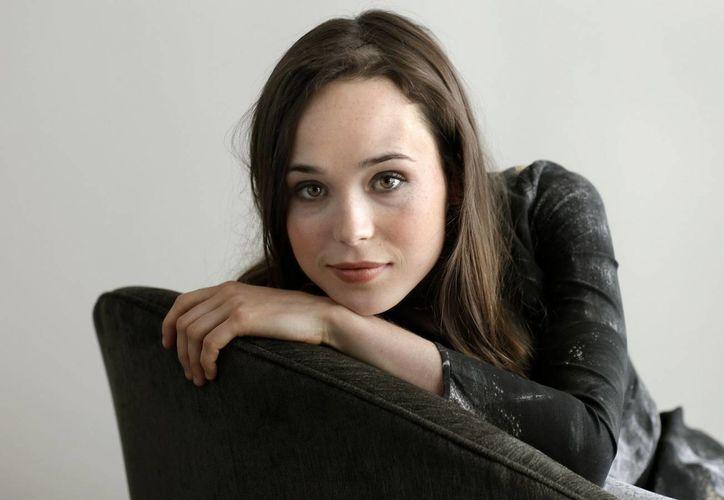 Ellen Page se ganó los corazones de los cinéfilos como la adolescente embarazada en la cinta Juno. (masalladeorion.net)