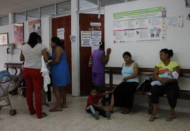La automedicación podría agravar los posibles casos de influenza. (Tomás Álvarez/SIPSE)