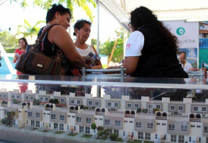 Realizan feria de la vivienda en el parque Las Palapas. (Luis Soto/SIPSE)