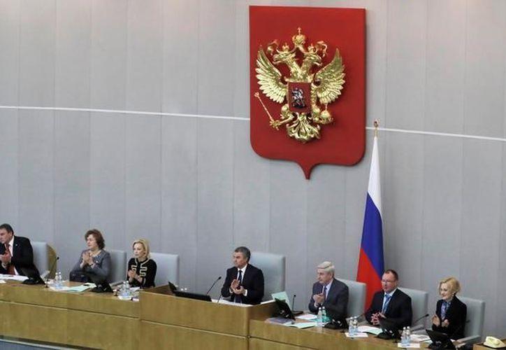 EU muestra desprecio por la libertad de expresión y expulsa del campo informativo a quienes van en su contra, afirma el líder ruso. (Foto: El Mundo)