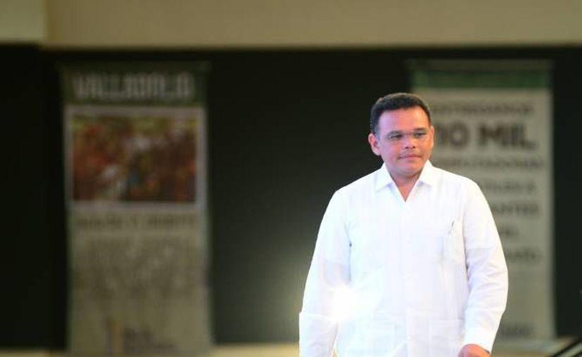 El gobernador Rolando Zapata escuchó este martes en la Ciudad de México el mensaje presidente del Comité Ejecutivo Nacional del PRI, Enrique Ochoa Reza. (Foto de archivo de SIPSE)