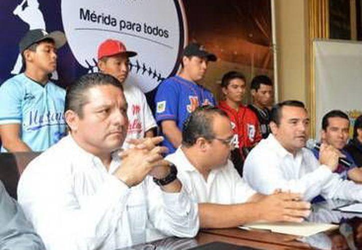 El director del Instituto Municipal del Deporte, Jesús Aguilar Aguilar. (Milenio Novedades)