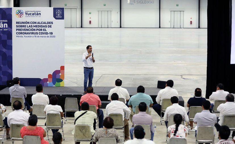 En la reunión entre el Gobernador y los alcaldes se destacó la importancia de no bajar la guardia en materia de prevención. (Novedades Yucatán)