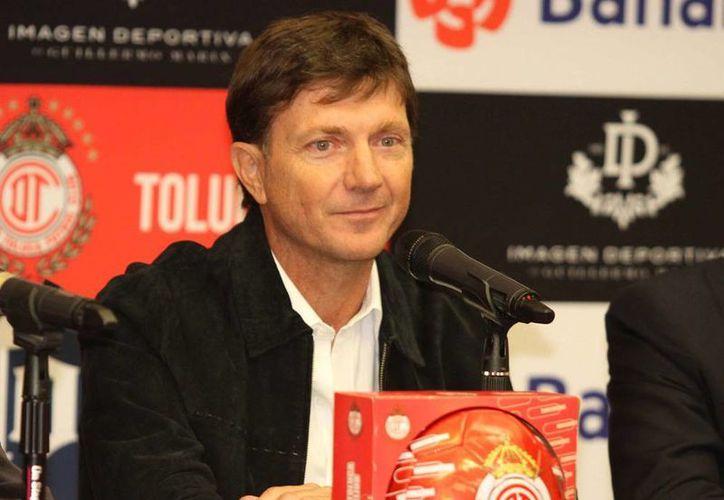 En conferencia de prensa, el guardameta Hernán Cristante hizo oficial su conclusión como jugador activo. (Notimex)