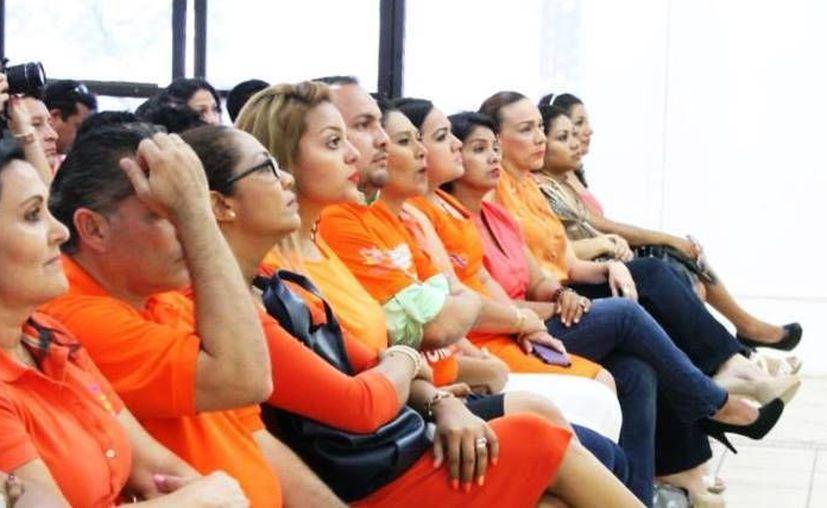 La secretaria técnica Observatorio de Violencia Social y de Género de Cancún, Celina Izquierdo, impartió la conferencia ¿Qué hace falta para erradicar la violencia? en Playa del Carmen.  (Daniel Pacheco/SIPSE)