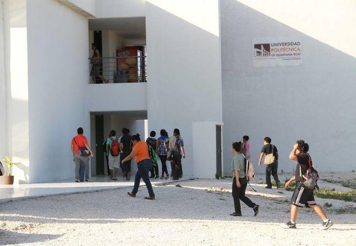 La universidad cuentan con una matrícula de 822 alumnos, y con la inauguración de un nuevo edificio espera un crecimiento de más de 60% para el próximo ciclo escolar. (Tomás Álvarez/SIPSE)