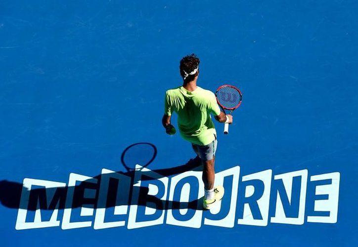 El tenista Roger Federer se despidió este viernes del Abierto de Australia. (AP)