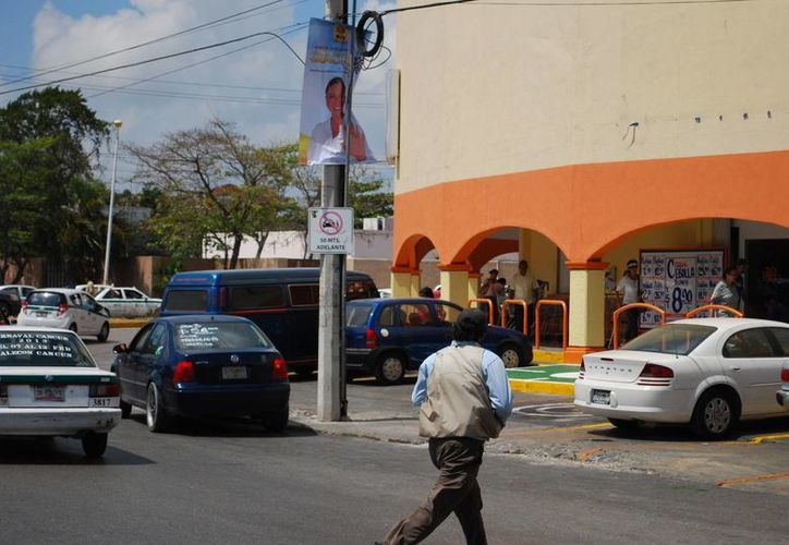 Anuncian delimitar zonas prohibidas para colocar anuncios. (Tomás Álvarez/SIPSE)