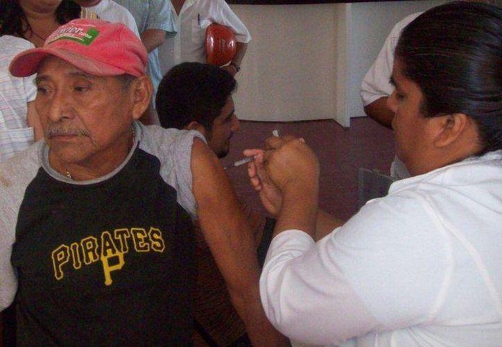 Hoy inicia la campaña de vacunación contra la influenza estacional. (Irving Canul/SIPSE)
