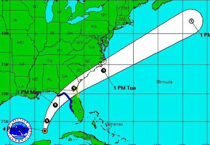 La recién formada tormenta tropical 'Colin', en el Atlántico, prácticamente sobre Quintana Roo, tiene un desplazamiento hacia el norte, es decir, a Florida. (NOAA)