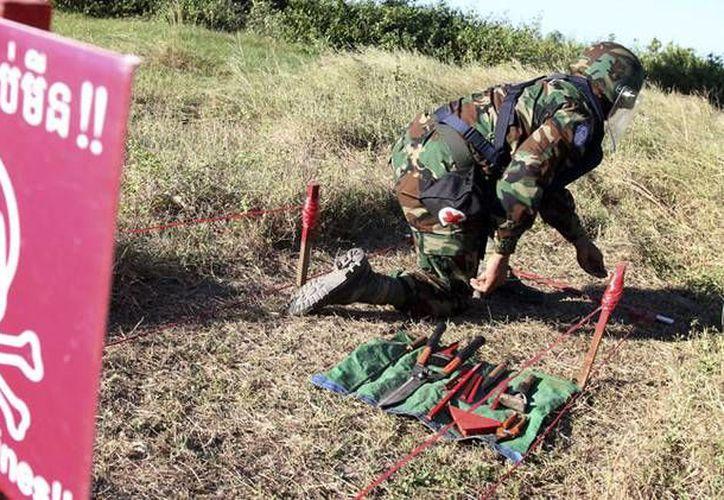 EU ha sembrado durante años por todo el mundo minas terrestres y bombas de racimo. (Reuters)