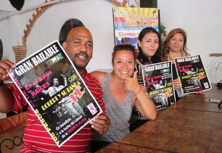 Con un evento musical, amigos de la activista María Alexandra Márquez, buscan recaudar fondos para su tratamiento contra el cáncer. (Daniel Pacheco/SIPSE)
