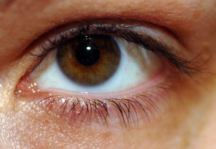 La tecnología láser que ofrecen en la clínica de ojos es de alta calidad, el procedimiento es muy rápido y no causa dolor. (Redacción/SIPSE)