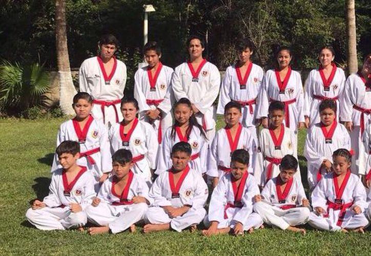 Alrededor de 40 alumnos presentarán examen de grado para alcanzar la máxima categoría. (Raúl Caballero/SIPSE)