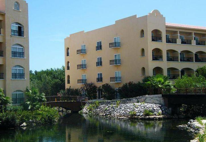 El grupo Sunset World and Resort anunció la construcción de tres hoteles en el terreno donde actualmente está el hotel Tres Ríos.  (Octavio Martínez/SIPSE)