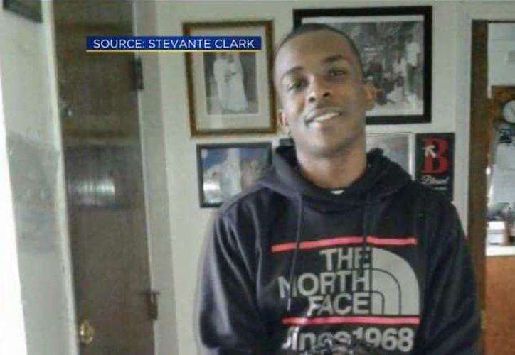 Las autoridades no detallaron cuántas balas impactaron en el cuerpo de Clark. (Foto: Pulzo)