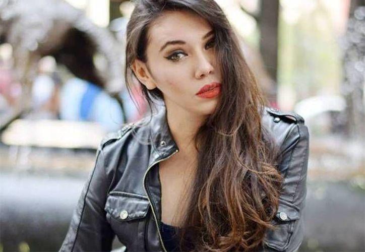 Lina Torres Varela, actriz de TV Azteca, perdió la vida al chocar contra un automóvil cuando viajaba en motocicleta. Aparentemente no usaba casco. (Imagen tomada de Excelsior)