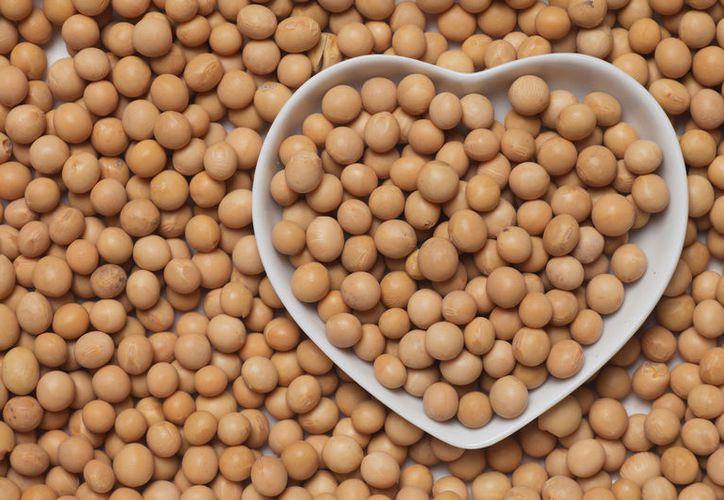 El grano de soja y sus subproductos (aceite y harina de soja) se utilizan en la alimentación humana. (Alimentos Colpac).