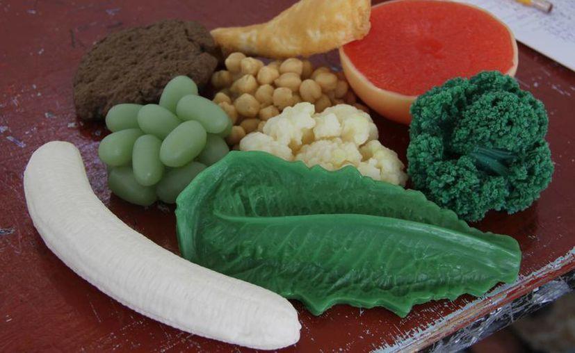 Recomiendan colocar en el refrigerador a la vista los alimentos saludables. (Consuelo Javier/SIPSE)
