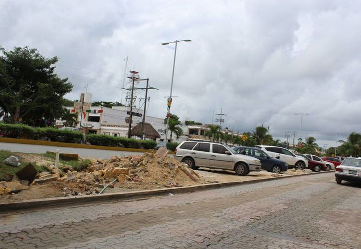 La Contraloría municipal de Tulum ya investiga el destino de los recursos asignados a obras en la avenida Tulum. (Sara Cauich/SIPSE)