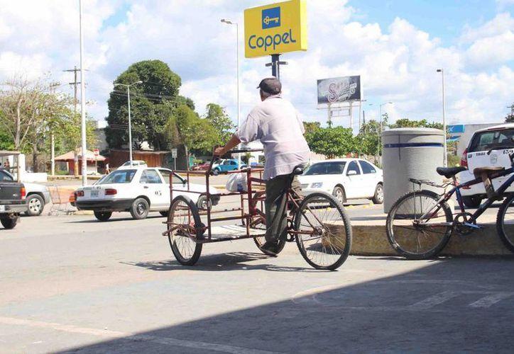 El precio por emplacar cualquier vehículo sin motor es de 87 pesos y es indispensable presentar la factura de compra. (Jesús Caamal/ SIPSE)