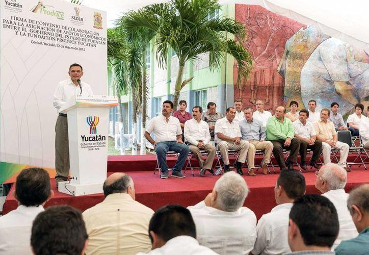 Según el gobernador Rolando Zapata Bello, con el convenio entre el gobierno estatal y la Fundación Produce se pretende que el agro sea un espacio de bienestar y oportunidad para miles de jóvenes y motivar a que más inversionistas y emprendedores volteen hacia el sector primario. (SIPSE)