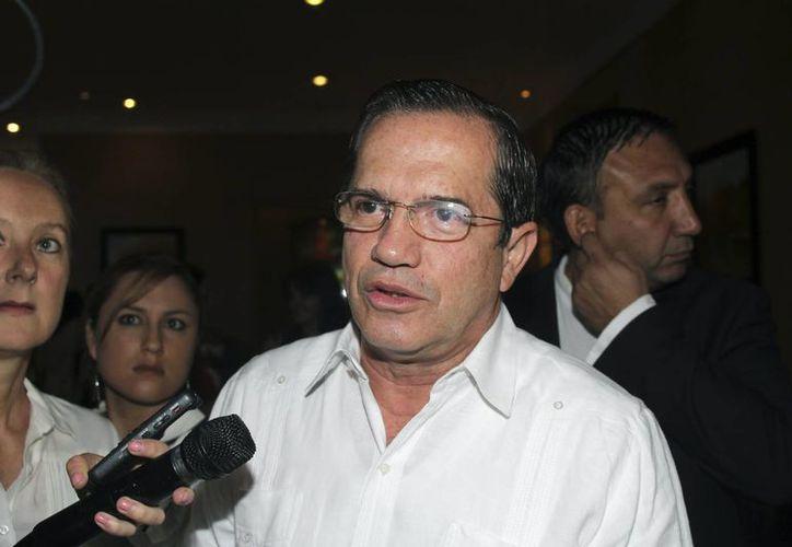 """El ministro de relaciones exteriores de Ecuador, Ricardo Patiño, describió a Snowden como un """"hombre que estaría pretendiendo aportar luz y transparencia"""". (Agencias)"""