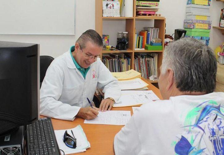 Preparan las consultas médicas para el próximo sábado. (Cortesía/SIPSE)