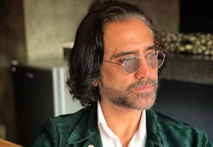 """A través de su cuenta de Instagram, """"El Potrillo"""" dio a conocer su actual y renovada imagen. (Foto: Twitter)"""