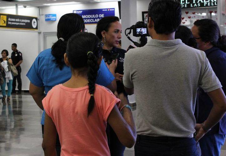Estrella de 12 años y Gaby de nueve años, ambas de Chetumal, van al hospital Shriners. (Ángel Castilla/SIPSE)