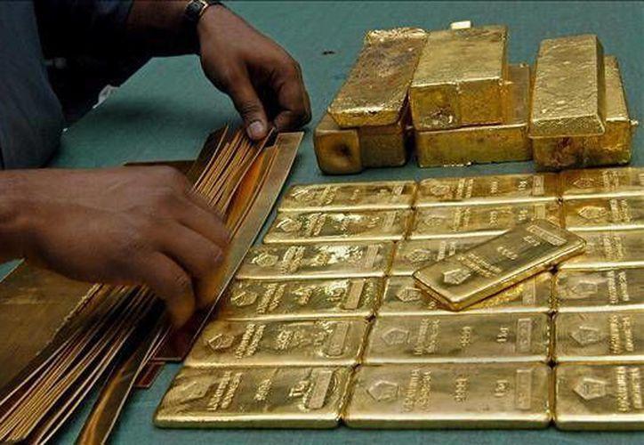 El precio del oro registró su segunda caída. (terra.com.mx)