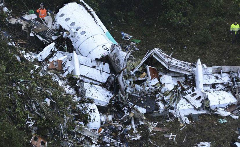 En la tragedia que conmocionó al mundo a fines del año pasado murieron 71 de los 77 pasajeros, entre ellos siete periodistas cuyos familiares no han recibido alguna compensación económica. (Archivo/ Associated Press)