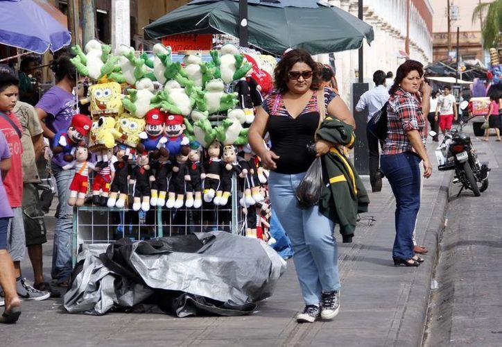 La Canacome pretende regularizar a vendedores ambulantes para que salgan de las calles. (Milenio Novedades)