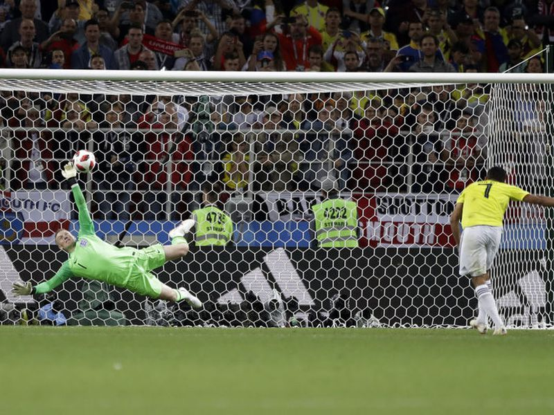 Jordan Pickford no adivinó en los penales ante Colombia sino que se aventó basado en cómo habían tirado sus rivales (Foto AP)