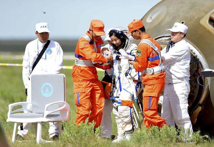 Wang Yaping es una de los tres astronautas que arribaron a la atmósfera terrestre. (Agencias)