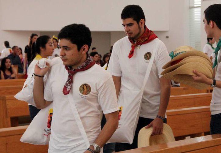 Importante labor realizan los misioneros que participan en comunidades alejadas durante la Semana Santa. (Milenio Novedades)