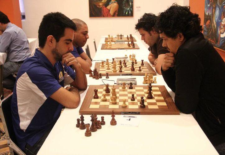 Mientras que el Gran Maestro cubano Aramís Álvarez se coronó en el torneo Carlos Torre, el mexicano mejor clasificado fue el GM José González García, quien quedó en quinto sitio. (Milenio Novedades)