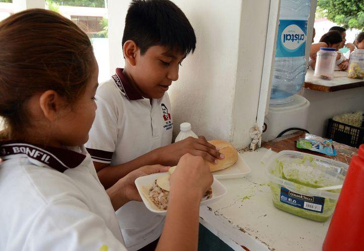 En México existe un alto número de población con obesidad, así como mucha desnutrición. (Foto: Redacción/SIPSE)