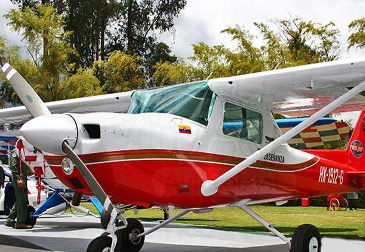 Avioneta modelo Cessna 150, similar a la que cayó en la Sierra de Zongolica, la cual tenía como destino Cordoba, Veracruz. (www.aviacol.net)